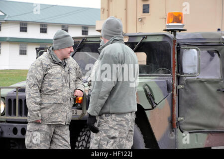 U.S. soldiers with the 28th Military Police Company, Pennsylvania Army National Guard, prepare to depart from Fort - Stock Photo