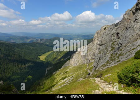 roter westlicher wanderweg zum gipfel giewont hohe tatra polen stock photo royalty free image. Black Bedroom Furniture Sets. Home Design Ideas