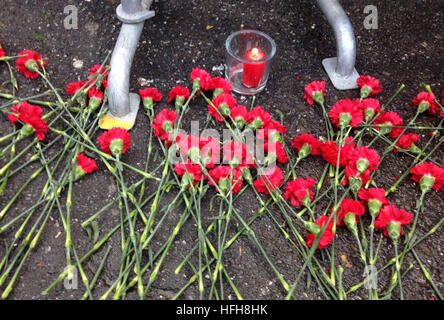 Istanbul. 1st Jan, 2017. Photo taken on Jan. 1, 2017 shows flowers placed in front of the Reina night club in Istanbul, - Stock Photo