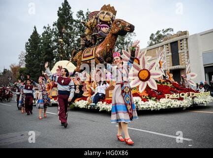 Los Angeles, USA. 2nd Jan, 2017. A float marches during the 128th Rose Parade on Colorado Boulevard in Pasadena, - Stock Photo
