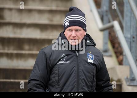 Hamburg, Germany. 4th Jan, 2017. Hamburger SV coach Markus Gisdol arrives at a training session in Hamburg, Germany, - Stock Photo