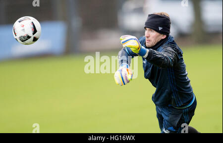 Hamburg, Germany. 4th Jan, 2017. Goalkeeper Rene Adler cathes a ball during a Hamburg SV training session in Hamburg, - Stock Photo