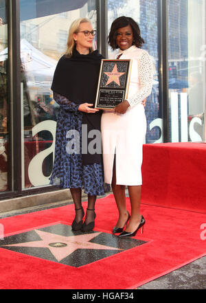 Hollywood, California, USA. 5th Jan, 2017. Meryl Streep, Viola Davis. Viola Davis honoured with star on The Hollywood - Stock Photo