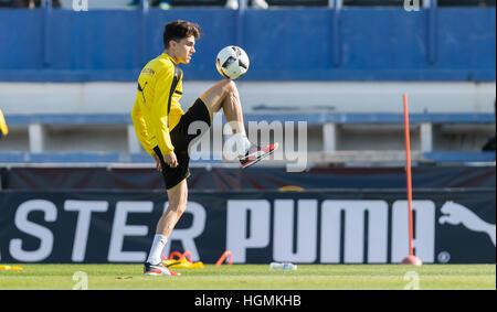 Marbella, Spain. 11th Jan, 2017. Dortmund's Marc Barta plays the ball during training at the Borussia Dortmund training - Stockfoto