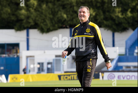 Marbella, Spain. 11th Jan, 2017. Dortmund's sports director Michael Zorc walks over the pitch during training at - Stockfoto