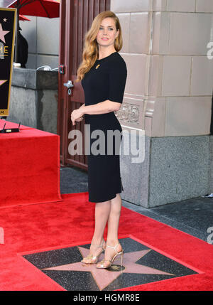 Los Angeles, USA. 11th Jan, 2017. ZD83107 Amy Adams honoured with a star on the Hollywood Walk of Fame in Los Angeles. - Stockfoto