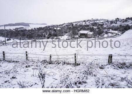 Selkirk, Scottish Borders, UK. 12th January 2017. Snow on the outskirts of Selkirk in the Scottish Borders. © Chris - Stockfoto