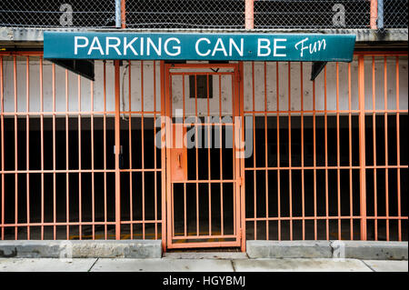 'Parking can be fun' sign outside of parking garage, downtown Memphis, Tennessee, USA - Stockfoto
