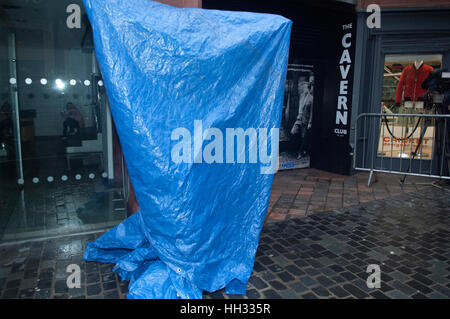 Liverpool, UK. 16th January 2017. A covered, bronze, sculpture of Liverpool born singer and TV star, Cilla Black, - Stock Photo