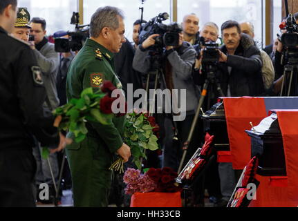 Moscow region, Russia. 16th January 2017. Russia's Defence Minister Sergei Shoigu at a farewell ceremony for Tupolev - Stockfoto