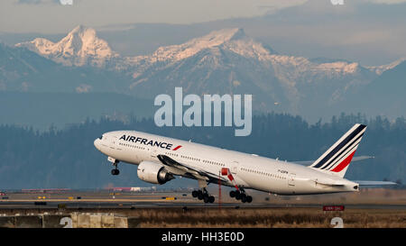 Air France Boeing 777 (777-200ER) F-GSPN wide-body jet airliner take taking off Vancouver International Airport, - Stock Photo