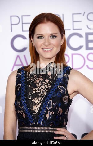 Los Angeles, Ca, USA. 18th Jan, 2017. Sarah Drew at the 42nd Annual People's Choice Awards at Microsoft Theater - Stock Photo