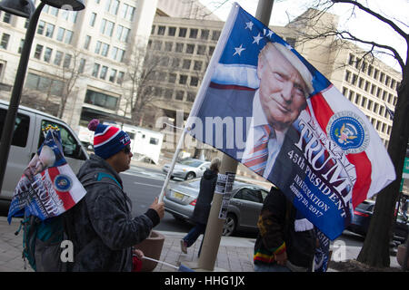 Washington DC, USA. 19th Jan, 2017. A man sells memoribilia of the Inauguration of Donald Trump in Washington, DC, - Stock Photo