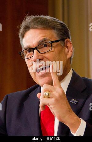 Washington, USA. 19th Jan, 2017. Former Texas Governor Rick Perry, President-elect Donald Trump's choice as Secretary - Stock Photo