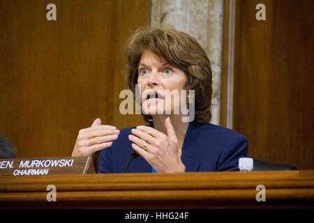 Washington, USA. 19th Jan, 2017. Sen. Lisa Murkowski, R-Alaska speaks to former Texas Governor Rick Perry, President - Stock Photo