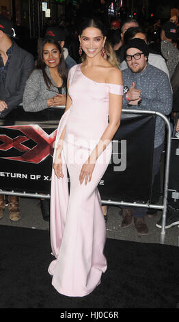Hollywood, USA. 19th Jan, 2017. Actress Deepika Padukone at the 'xXx - Return of Xander Cage' premiere held at the - Stockfoto