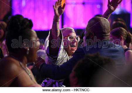 Cast members of Orange is the New Black celebrate after winning the award for Best Ensemble in a Comedy during the - Stockfoto