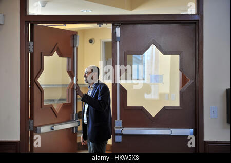 Gatineau, Canada. 29th Jan, 2017. The Outaouais Islamic Centre on Rue Lois on Monday morning. Six people were killed - Stock Photo