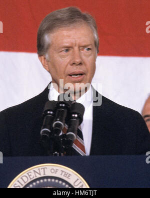 a biography of jimmy carter the 39th president of the united states Jimmy carter biography  39th president of the united states had one of the most interesting backgrounds of all the modern presidents before he became president .