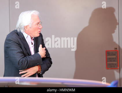 Berlin, Germany. 10th Feb, 2017. Actor Richard Gere, photographed during the photo call for the movie 'The Dinner' - Stock Photo