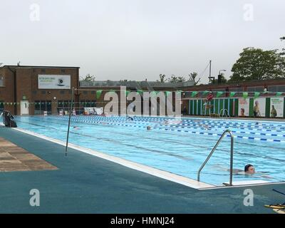 Charlton Lido 39 S Heated 50m Outdoor Swimming Pool In Hornfair Park Stock Photo Royalty Free