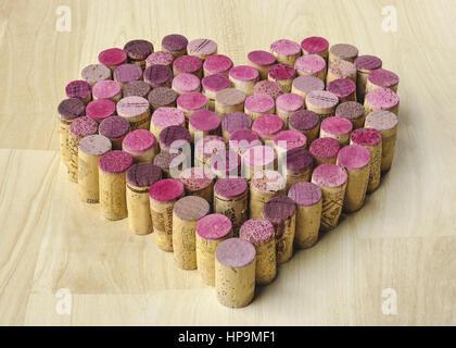Korken in Herzform aufgestellt - Stockfoto