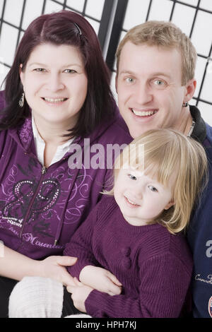Vater, Mutter, Tochter, Familienfoto - family portrait, Model released - Stock Photo