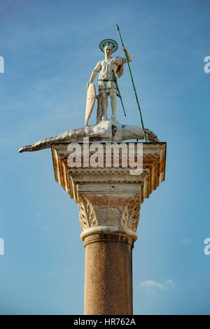 Statue of St. Theodore on column, Piazzetta San Marco, Venice, Italy - Stockfoto