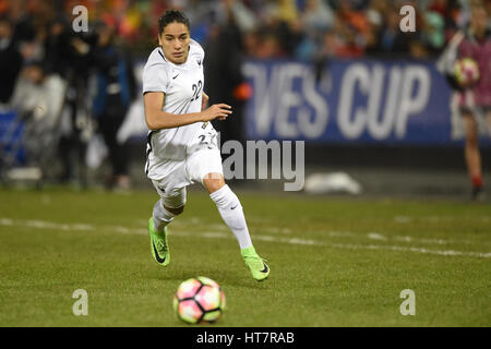 Washington DC, USA. 07th Mar, 2017. France's Amel Majri (22) runs with the ball during the match between the women's - Stock Photo