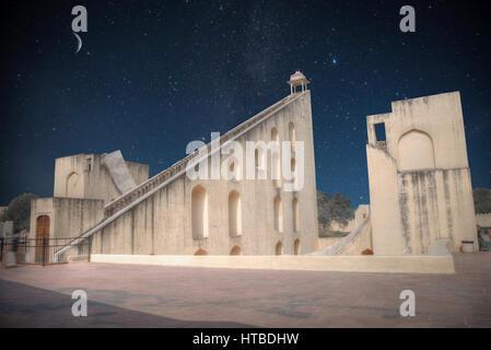 Jantar Mantar - the observatory, city of Jaipur. night shining moon and stars. - Stockfoto