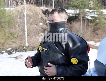 Moscow Regoin, Russia. 10th Mar, 2017. A combat diver of the special forces of Russia's Federal National Guard Service - Stock Photo