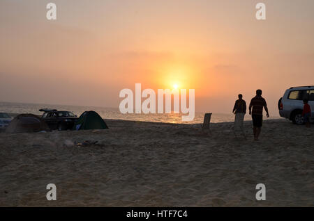 Sunrise at a desert camp - Stockfoto