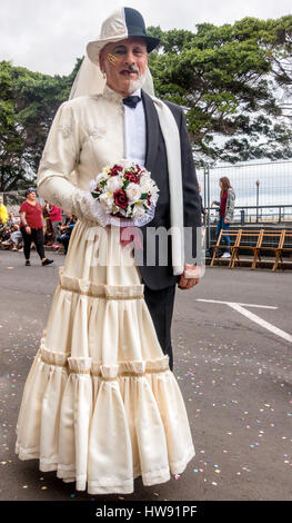 Man in half man, half woman costume, Tenerife Carnival parade - Stockfoto