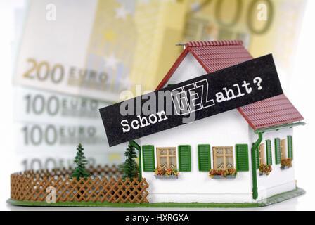 miniature house with gez slogan already paid fees gez per. Black Bedroom Furniture Sets. Home Design Ideas