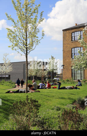 Spring in Granary Square, at Kings Cross, NC1, London, UK - Stock Photo