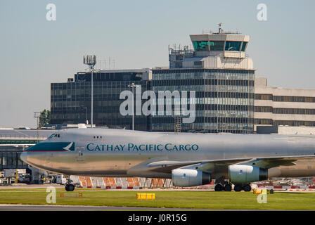 B-HUP Cathay Pacific Airways Cargo Boeing 747-467F/SCD Manchester airport terminal. - Stock Photo