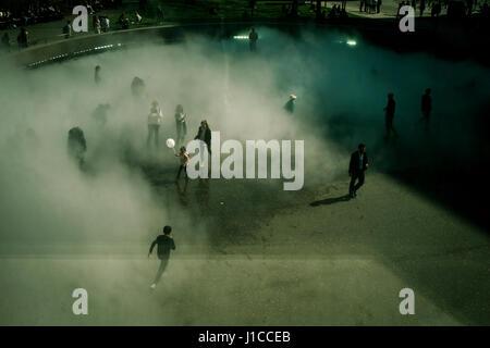 Fujiko Nakaya immersive fog sculpture at Tate Modern, London - Stock Photo