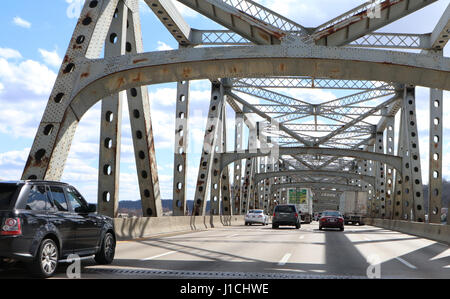infrastructure - Rust and damage to the Brent Spence Bridge that carries Interstates 71 and 75 across the Ohio River - Stock Photo