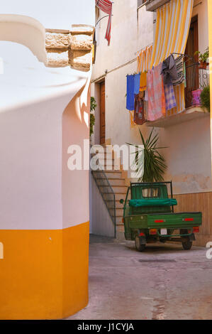 Alleyway. Rodi Garganico. Puglia. Italy. - Stock Photo