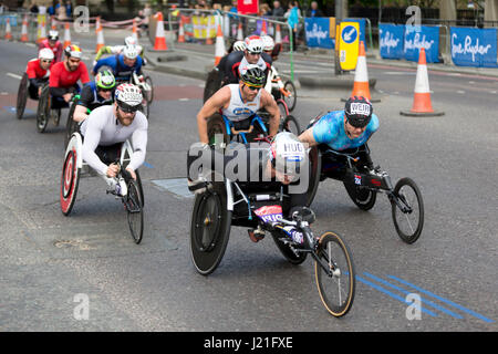 London, UK. 23rd April, 2017. David Weir winner of the T53/T54 men's Virgin Money London Marathon 2017, The Highway, - Stock Photo