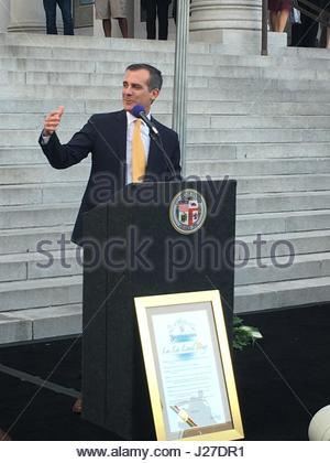 Los Angles, USA. 25th Apr, 2017. Los Angeles Mayor Eric Garcetti declares April 25 'La La Land Day' at a City Hall - Stock Photo