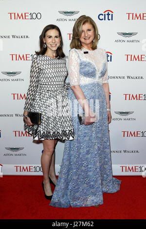 New York, USA. 25th Apr, 2017. Callie Schweitzer (L) and Arianna Huffington attend the Time 100 Gala at Frederick - Stock Photo