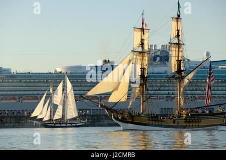 Lady Washington Tall Ship Sailing During Tall Ship