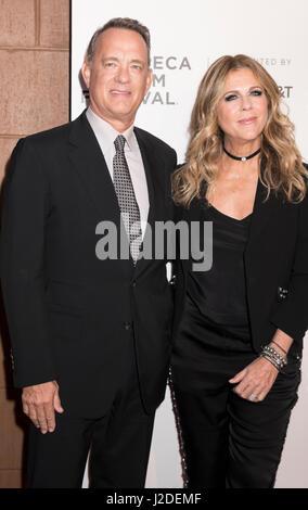 New York, USA. 26th Apr, 2017. NEW YORK, NY, USA - APRIL 26: Tom Hanks and Rita Wilson attend Tribeca Gala: The - Stock Photo