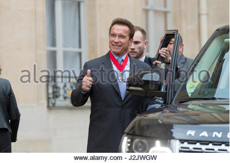 Paris, France. 28th Apr, 2017. US actor and former governor of California Arnold Schwarzenegger leaves after he - Stock Photo