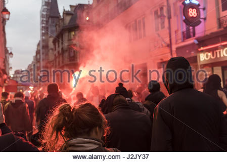Paris, France. 28th Apr, 2017. Hundreds take to the streets in Paris on April 28, 2017 to protest against the results - Stock Photo
