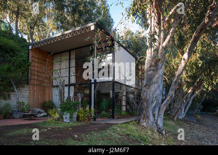 USA, California, Los Angeles-area, Pacific Palisades, Eames House and Studio, former home and studio of mid-20th - Stock Photo