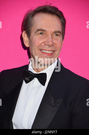 Los Angeles, California, USA. 29th Apr, 2017. Jeff Koons 160 arriving at the 2017 MOCA Gala at tThe Geffen Contemporary - Stock Photo