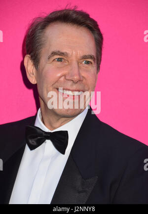 Los Angeles, California, USA. 29th Apr, 2017. Jeff Koons 161 arriving at the 2017 MOCA Gala at tThe Geffen Contemporary - Stock Photo