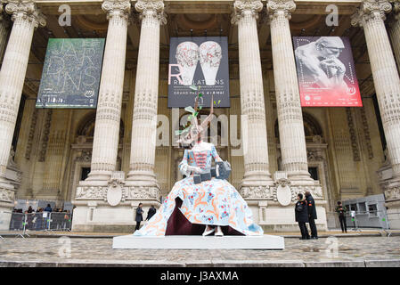 Paris. 3rd May, 2017. Photo taken on May 3, 2017 shows a piece of artwork in front of the Grand Palais in Paris, - Stock Photo